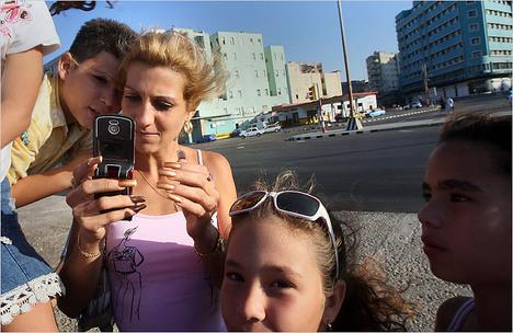 CubanCellPhone.jpg
