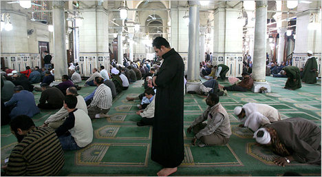 SayyidPrayingCairoMosque.jpg